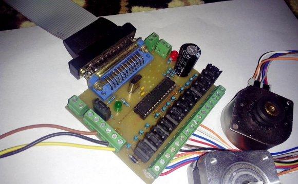 Простой трёхосевой контроллер