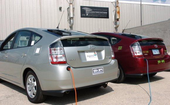 электромобили и гибриды