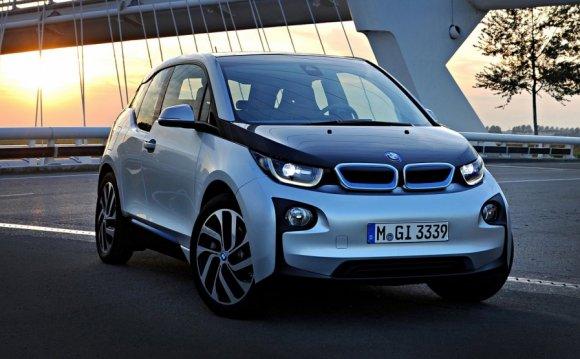 Новый автосалон BMW i открыт